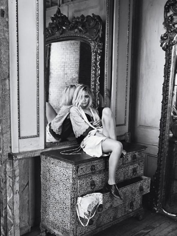 Ashley Olsen наобложке Marie Claire (Сентябрь 2009). Изображение № 8.