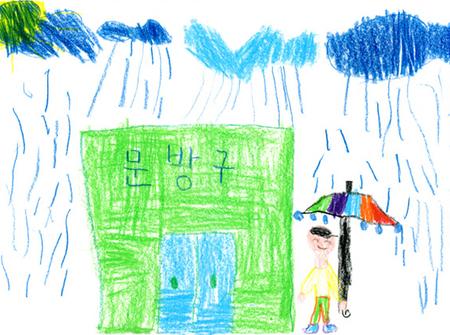 Фотографии подетским рисункам. Изображение № 21.