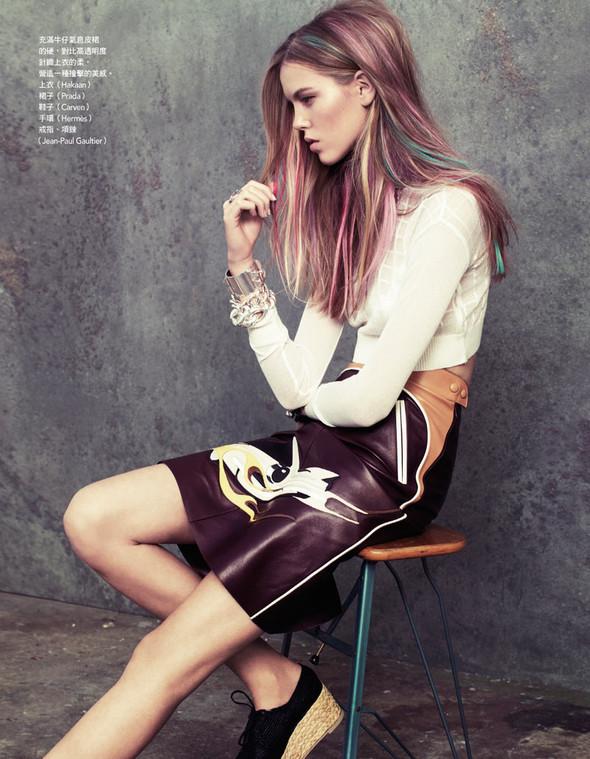 Съёмка: Йосефин Родерманс для тайваньского Vogue. Изображение № 6.