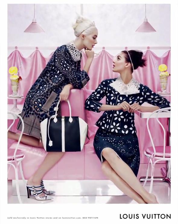 Кампания: Louis Vuitton SS 2012. Изображение № 10.