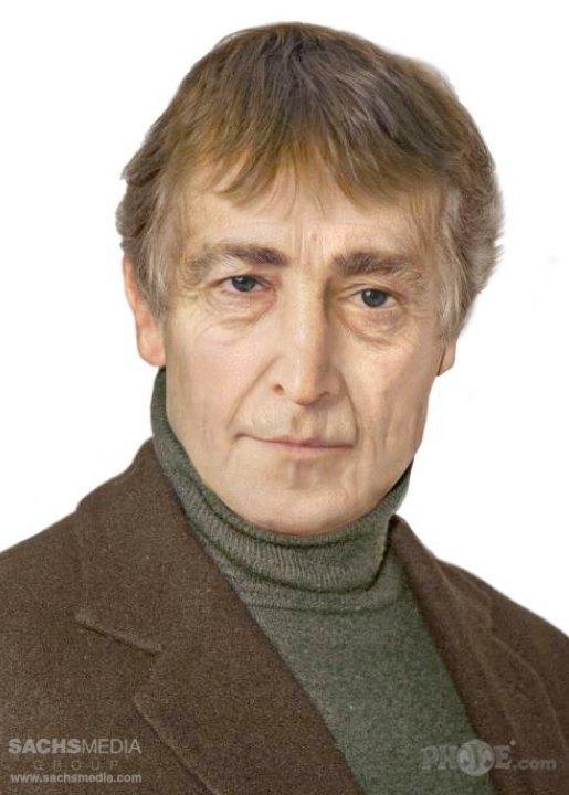 Джон Леннон, основатель, гитарист и вокалист The Beatles. Убит 8 декабря 1980 года в возрасте 40 лет. На фотографии Леннону 72 года. Изображение № 4.