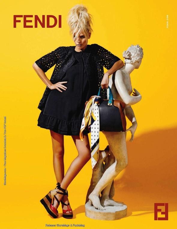 Превью кампаний: Fendi, Bottega Veneta и Donna Karan. Изображение № 2.