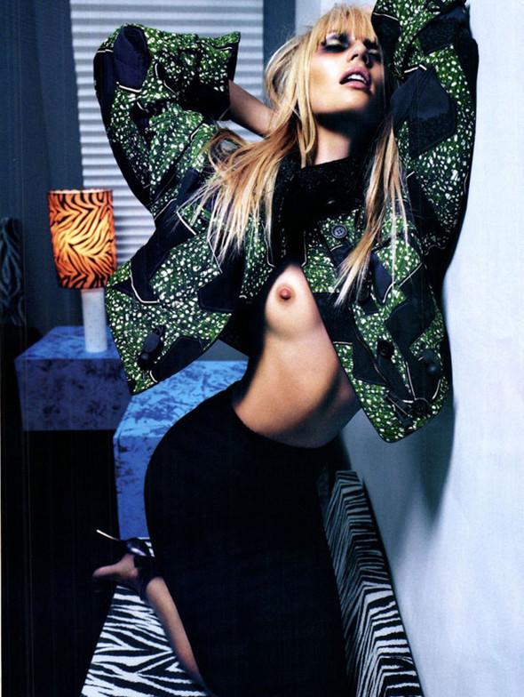 Candice Swanepoel для Vogue Italy, Март 2012. Изображение № 2.
