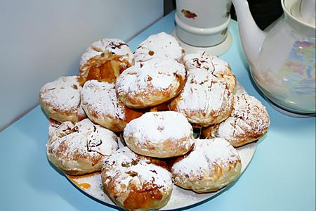 Слоёные булочки сяблоками, мёдом икорицей. Изображение № 1.