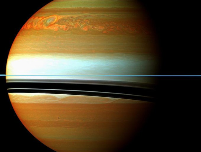 Исследование: почему на поверхности Сатурна происходят бури . Изображение № 1.
