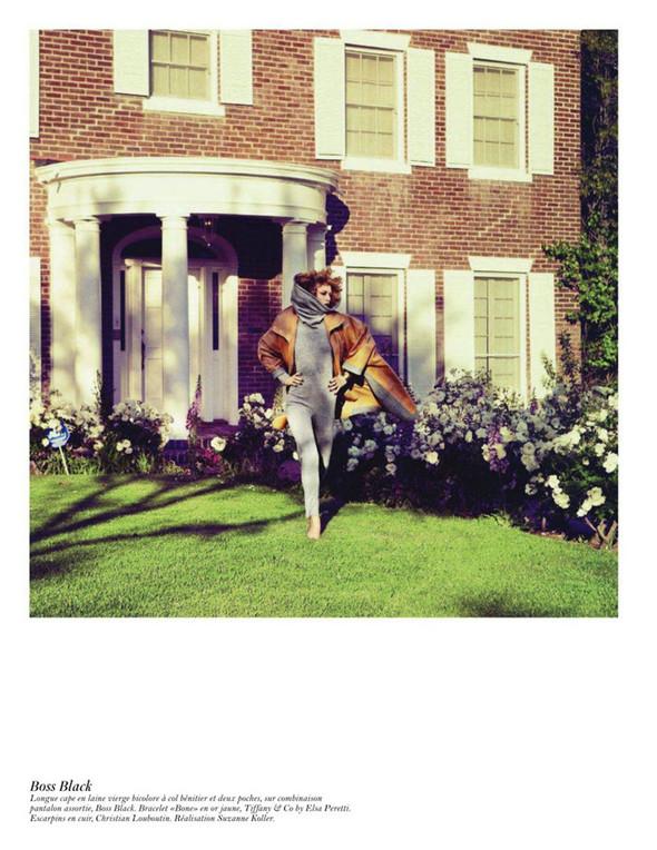Съёмка: Аризона Мьюз, Лара Стоун, Наташа Поли и другие модели во французском Vogue. Изображение № 63.