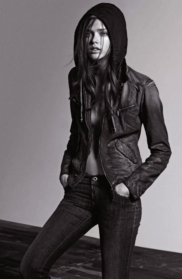Лукбук: Armani Jeans FW 2011. Изображение № 1.