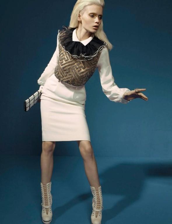 Съёмка: Эбби Ли Кершо для российского Vogue. Изображение № 4.