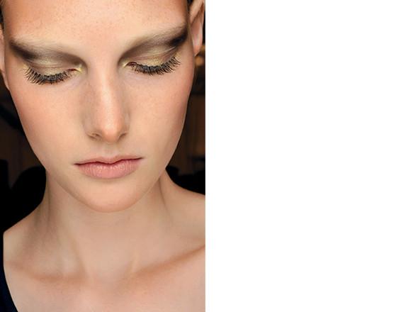 Изображение 6. Красная стрела: тенденции макияжа SS 2011.. Изображение № 16.