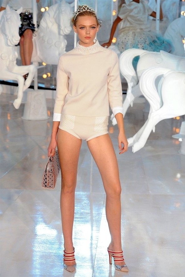 Неделя моды в Париже: Louis Vuitton весна 2012. Изображение № 30.