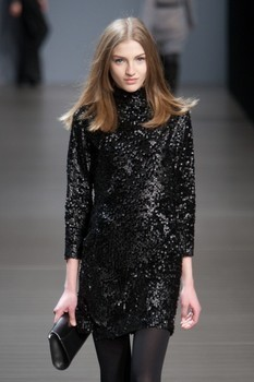 Valentin Yudashkin. Fall-Winter 2010-2011. Изображение № 8.