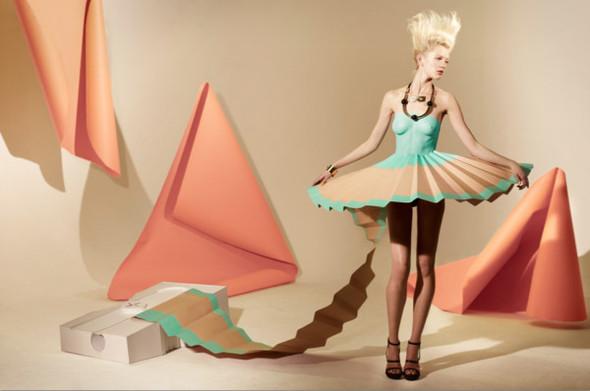 Платья из бумаги: Мэтью Броди для журнала Madame. Изображение № 2.