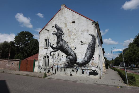 Животный стрит-арт от бельгийского граффитчика ROA. Изображение № 42.