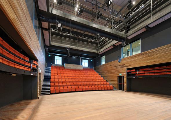 Bijlmer Park Theater. Изображение № 18.