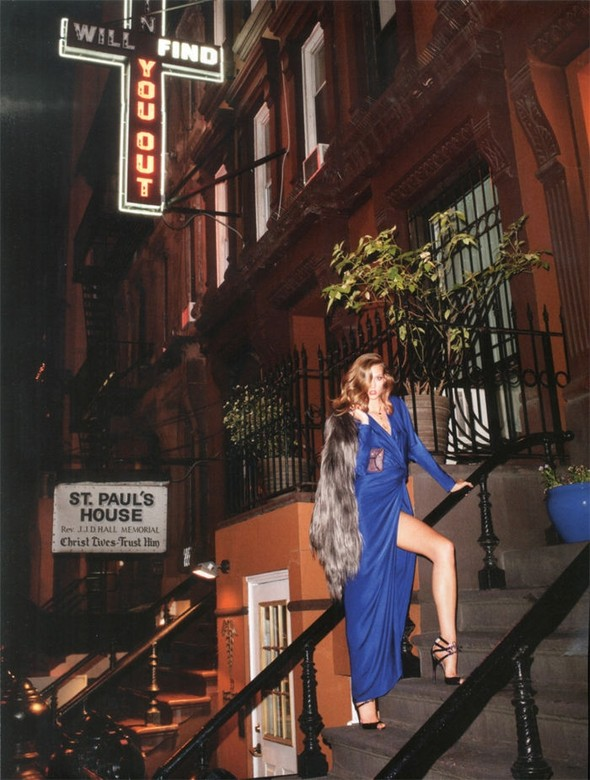 Съемка: Карли Клосс для британского Vogue. Изображение № 2.