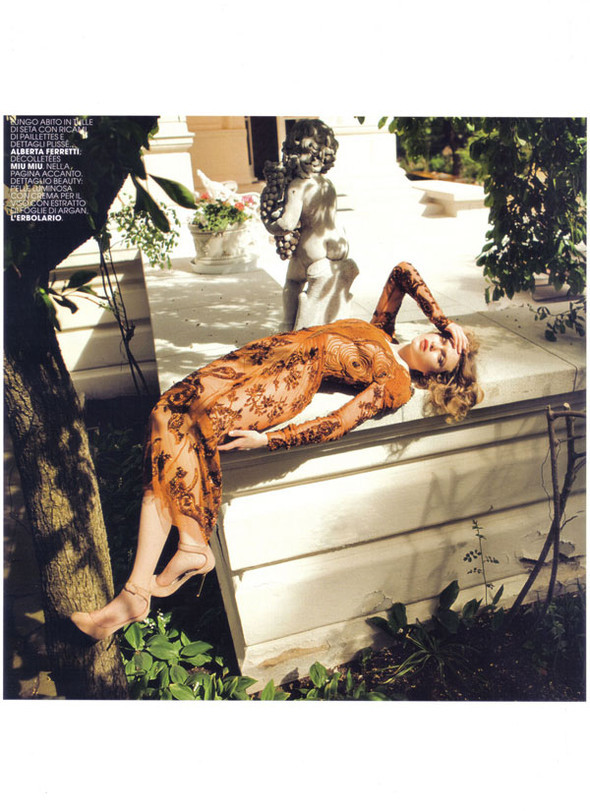 Журнал: Marie Claire Italia, октябрь 2009. Изображение № 12.