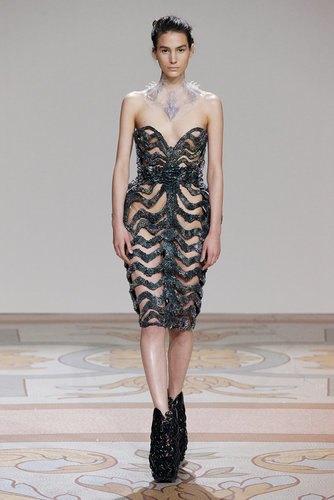 Дизайнеры создали коллекцию платьев из магнитов. Изображение № 3.