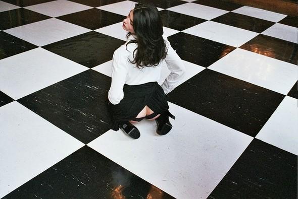 Съёмка: Кристал Ренн для AnOther. Изображение № 9.