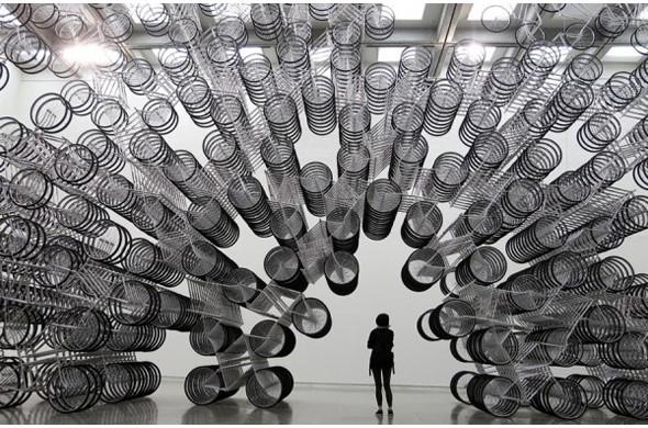 Дизайн-дайджест: Книга мифов о Бэнкси, выставка Ай Вэйвэя и арт-ярмарка FIAC в Париже. Изображение № 67.