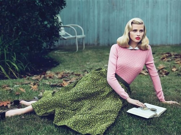 Lara Stone by Mert & Marcus for Vogue US September 2010. Изображение № 10.