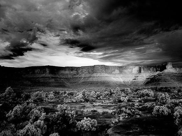 Фотограф Mitch Dobrowner. Изображение № 37.