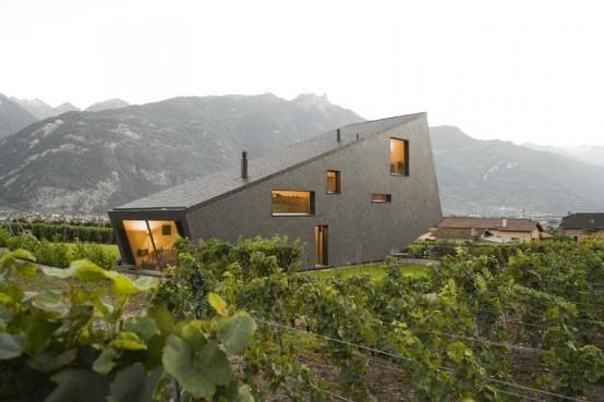 Дом в горах от Nunatak Architectes. Изображение № 1.