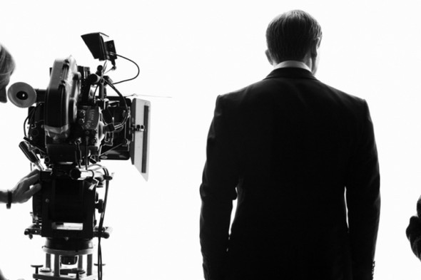 007: DANIEL CRAIG: BEHIND THE SCENES BW PHOTOGRAPHY. Изображение № 7.