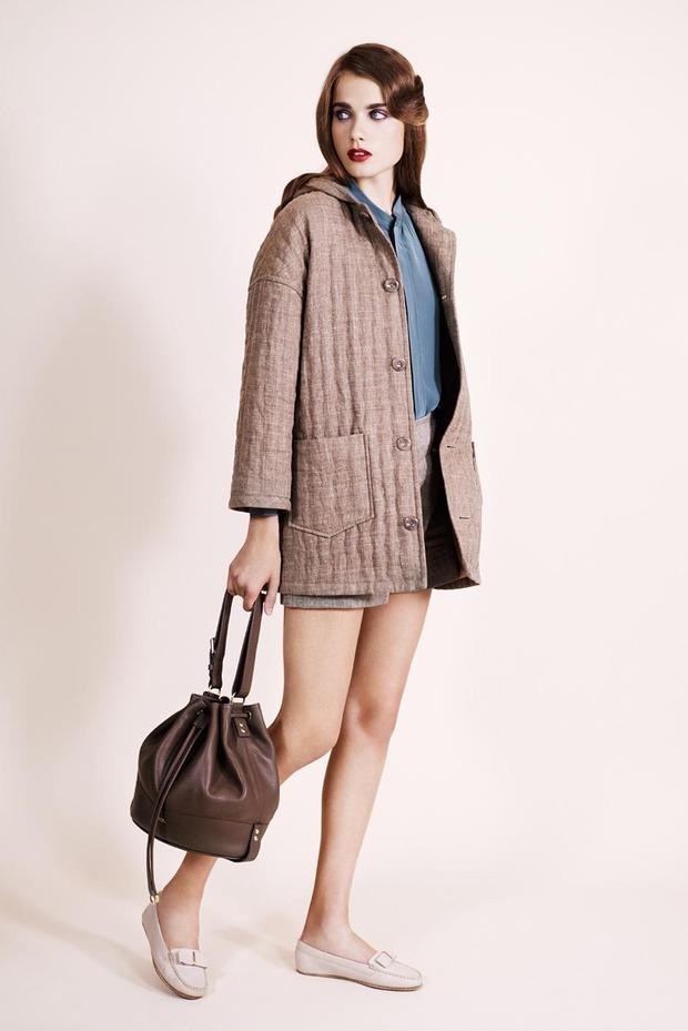 A.P.C., Chanel, MM6, Mother of Pearl, Paule Ka и Yang Li выпустили новые лукбуки. Изображение № 12.