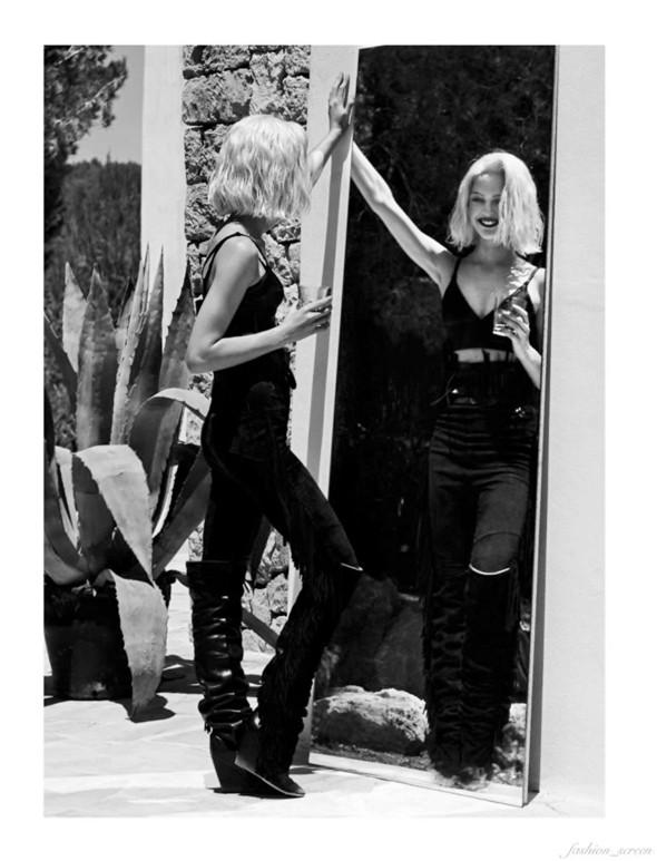 Съёмка: Аня Рубик и Саша Пивоварова для Vogue. Изображение № 13.