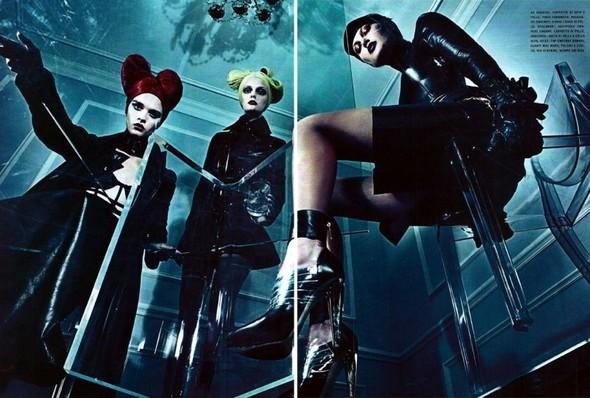 Съёмка: Стивен Кляйн для итальянского Vogue. Изображение № 10.