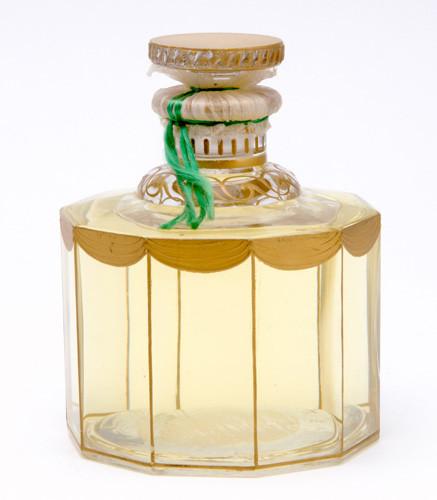Самые красивые флаконы парфюма. Изображение № 23.