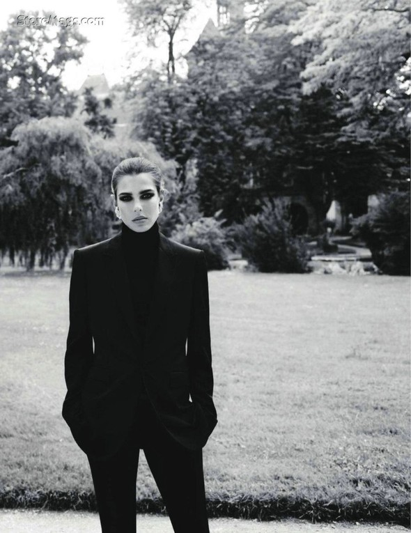Для обложки сентябрьского номера французского Vogue снялась Шарлотта Казираги. Изображение № 2.