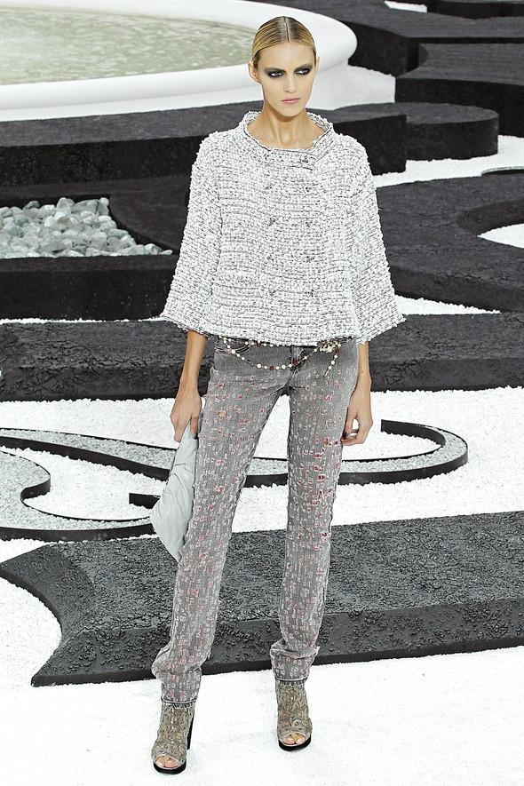 Карл Лагерфельд показал одну из самых красивых коллекций, когда-либо созданных для Chanel. Изображение № 26.