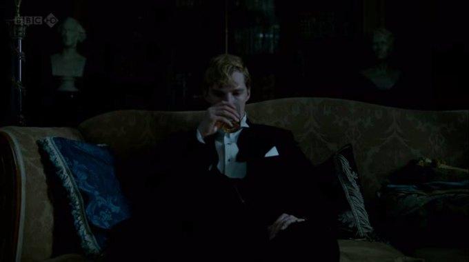 Бенедикт Камбербэтч  выпивает. Изображение № 21.