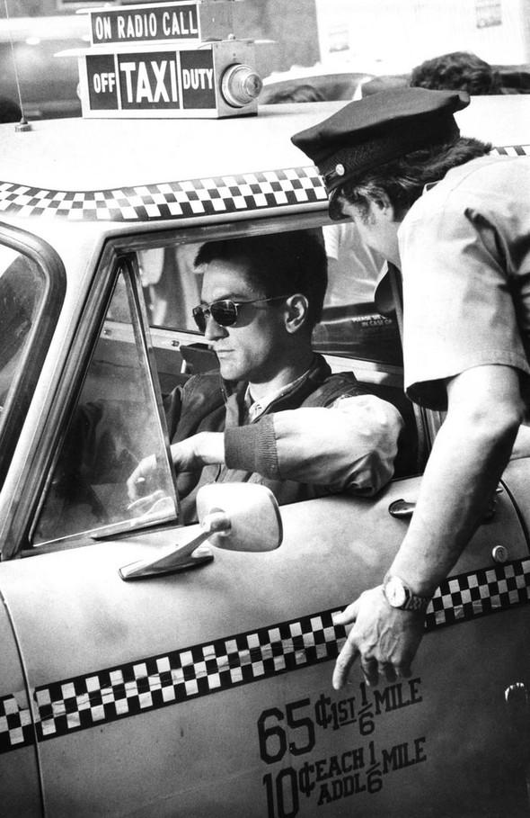 Таксист Мартина Скорсезе на фото со съемочной площадки. Изображение № 3.