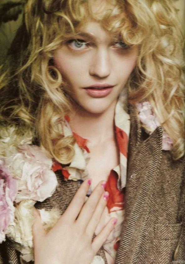 Изображение 10. «Sasha», британский Vogue, декабрь 2007.. Изображение № 10.