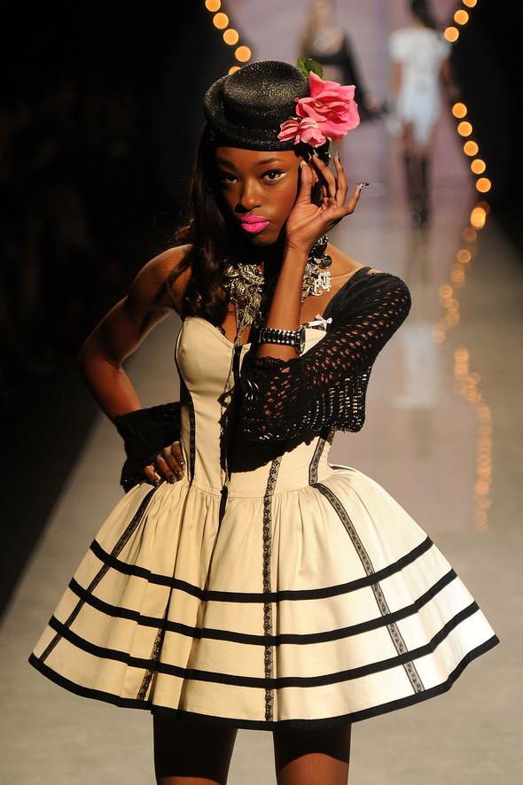 New York Fashion Week: Betsey Johnson Spring 2012. Изображение № 40.