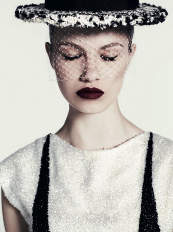 Съёмка: Хейли Клаусон для российского Vogue. Изображение № 5.