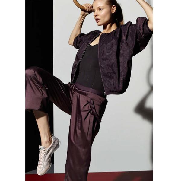 Стелла Маккартни создала светящуюся одежду для Adidas. Изображение № 16.