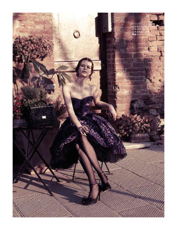 Съёмки: Playing Fashion, Schon, Vogue и другие. Изображение № 20.