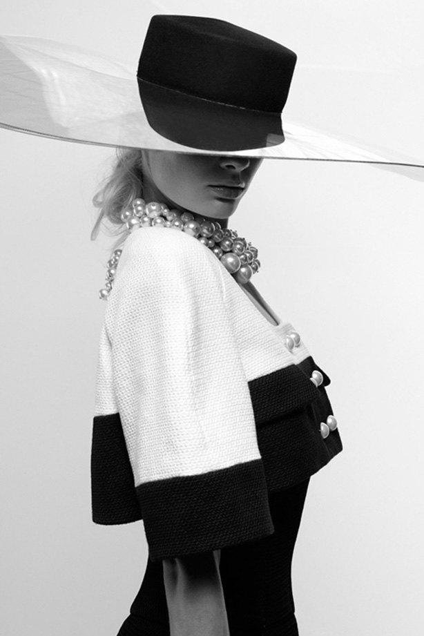 Показаны новые лукбуки Balenciaga, Chanel и Zac Posen. Изображение № 4.