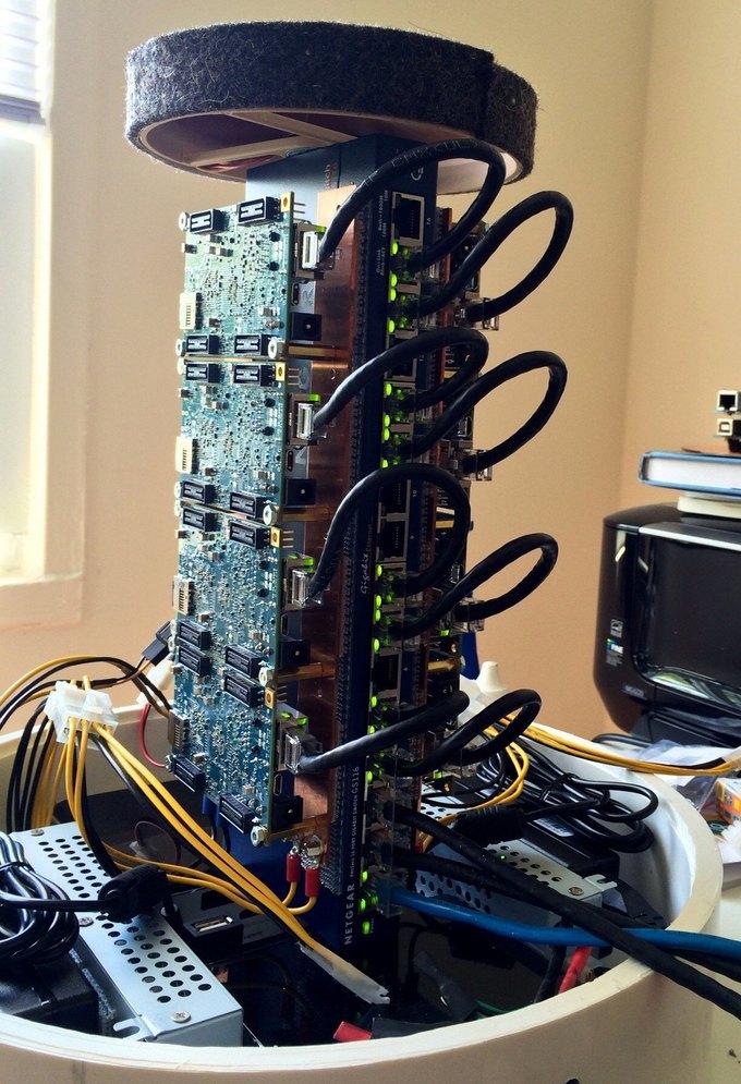 Инженер Twitter построил суперкомпьютер в свободное от работы время. Изображение № 1.
