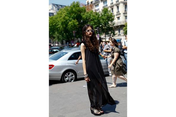 Уличный стиль на Неделе высокой моды в Париже. Изображение № 17.