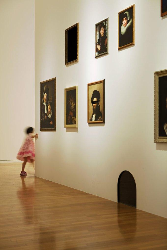 В Токио детям разрешили бегать и шуметь в музее. Изображение № 1.