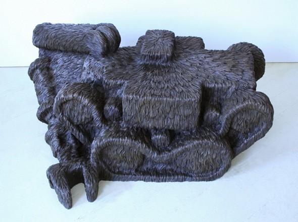 """""""Меховые"""" скульптуры из керамики, резины и бронзы. Изображение № 14."""