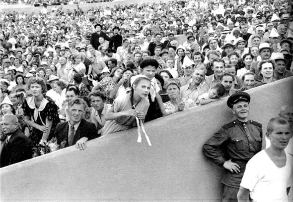 Советская Москва глазами Анри Картье-Брессона. Изображение № 28.