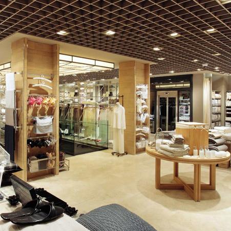 Экологичный флагманский магазин Zara в Барселоне. Изображение № 1.