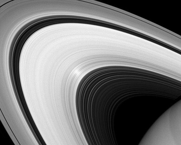 Кольца Сатурна, снятые на камеру Cassini . Изображение № 21.