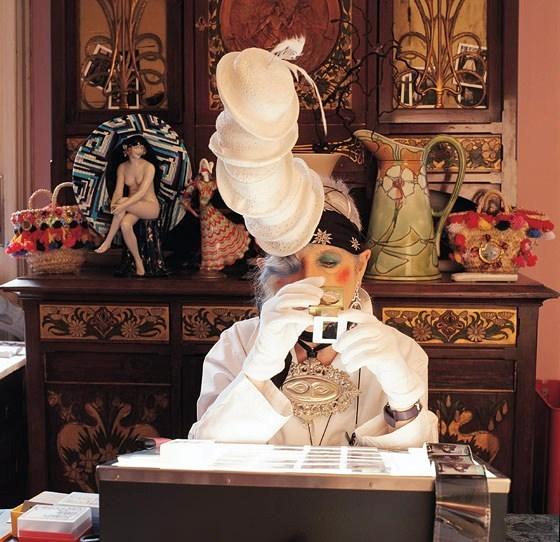 Анна Пьяджи. Модный гардероб. Изображение № 3.
