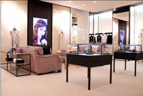 В Москве открылся флагманский бутик Chanel. Изображение № 3.